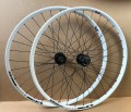 "Shimano Deore HB/FH-M525 LRS Disc / Taurus21 29"" weiss"
