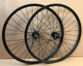 "Novatec X-Light Disc LRS / POP Carbon 26"" / CN424 1385g"